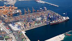 Το λιμάνι του Πειραιά είναι ένα από τα ταχύτερα αναπτυσσόμενα λιμάνια στον πλανήτη, πλησιάζοντας σε διακίνηση container την τριάδα των Ευρωπαϊκών λιμανιών με τη μεγαλύτερη κίνηση (Ρότερνταμ, Αμβέρσα, Αμβούργο). Οι προοπτικές για ενασχόληση με τη Ναυτιλία και τα logistics στην Ελλάδα, συνεχώς βελτιώνονται.