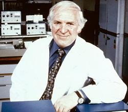 Ο φαρμακολόγος James Black κέρδισε το νόμπελ Ιατρικής το 1988 για την ανακάλυψη της προπρανολόλης που χρησιμοποιείται σήμερα ως ενεργή ουσία για τη θεραπεία διαφόρων καρδιακών παθήσεων και τη μείωση της αρτηριακής πίεσης, καθώς και την ανακάλυψη της σιμετιδίνης που καταπολεμά παθήσεις του πεπτικού συστήματος. Και στις δύο περιπτώσεις οι ουσίες ήταν εντελώς καινούριες κλάσεις φαρμάκων στην περιοχή τους ανοίγοντας τον δρόμο για την παρασκευή μεγάλου αριθμού φαρμακευτικών ουσιών από άλλους ερευνητές. Η σιμετιδίνη ήταν το πρώτο φάρμακο που έσπασε το φράγμα του 1 δισ δολαρίων σε πωλήσεις ενώ η οικονομική επιτυχία της προπρανολόλης ήταν συγκρίσιμη.