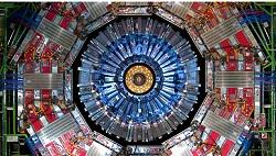 Επιταχυντής Σωματιδίων στο Conseil Européen pour la Recherche Nucléaire (CERN). To CERN είναι το μεγαλύτερο κέντρο πυρηνικών ερευνών στον κόσμο, και βρίσκεται στη Γενεύη της Ελβετίας. Αριθμεί 22 κράτη-μέλη, μεταξύ των οποίων και η Ελλάδα, η οποία είναι και ιδρυτικό μέλος. Μερικές από τις ανακαλύψεις-σταθμούς στην ιστορία του αποτελούν οι ανακαλύψεις μποζονίων W και Z (1983), η πρώτη δημιουργία αντι-υδρογόνου (1995), η ανακάλυψη της παραβίασης της συμμετρίας CP (1999), και η ανακάλυψη του μποζονίου του Χιγκς (2012).