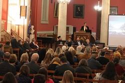 Στιγμιότυπο από επιστημονικό συνέδριο που διοργάνωσε το Ίδρυμα Νεότητος και Οικογένειας της Ιεράς Αρχιεπισκοπής Αθηνών. Οι δράσεις της Αρχιεπισκοπής και των Μητροπόλεων της Εκκλησίας της Ελλάδος στον τομέα των Τεχνών, των Επιστημών και του Πολιτισμού, συσφίγγουν συνεχώς τις σχέσεις της Εκκλησίας με παραγωγικές δυνάμεις της κοινωνίας.