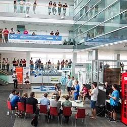 Στιγμιότυπο από το φοιτητικό διαγωνισμό EBEC (European BEST Engineering Competition). Το EBEC είναι ο μεγαλύτερος διαγωνισμός μηχανικής στην Ευρώπη και διοργανώνεται από φοιτητές για φοιτητές σε 34 χώρες, 85 εκπαιδευτικά ιδρύματα και συγκεντρώνοντας πάνω από 6500 συμμετέχοντες.