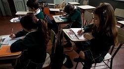 Σύμβουλοι επιχειρήσεων της McKinsey δουλεύουν με την πολιτεία Μινάς Γκεραίς της Βραζιλίας. Ο στόχος: να ανέβει από το 49% στο 100% το ποσοστό των 8χρονων μαθητών που μπορούν να διαβάσουν και να γράψουν στο αναμενόμενο επίπεδο. Ο σχεδιασμός και η παρακολούθηση διαδικασιών που θα επιτρέψουν τους 15,000 δασκάλους και άλλο προσωπικό να εργαστούν με 130,000 μικρούς μαθητές απαιτούν πρωτοποριακές λύσεις.