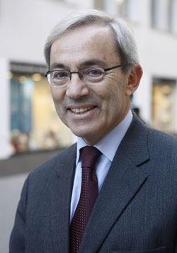 Ο Sir Χριστόφορος Πισσαρίδης είναι Ελληνοκύπριος οικονομολόγος. Τιμήθηκε το 2010 με το Βραβείο Νόμπελ Οικονομικών Επιστημών, για τη συνεισφορά του στα οικονομικά των αγορών εργασίας. Έχει συμβουλεύσει τις κυβερνήσεις τόσο της Κύπρου, όσο και τις Ελλάδας σε θέματα οικονομικής πολιτικής.