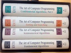 "The Art of Computer Programming (TAOCP), το (μέχρι στιγμής) τετράτομο έργο του Donald Knuth ο οποίος το 1974 κέρδισε το βραβείο Turing, την ύψιστη τιμή για έναν επιστήμονα της πληροφορικής. Στην πληροφορική, πολλά από τα πράγματα που μαθαίνει κανείς έχουν σύντομη ημερομηνία λήξης, αλλά το TAOCP είναι ένα διαχρονικό σημείο αναφοράς για την επιστήμη των υπολογιστών. Ως ανάγνωσμα, είναι επίσης πολύ συμπυκνωμένο και δύσκολο. Στο εξώφυλο της 3ης έκδοσης του 1ου τόμου υπάρχει η εξής αφιέρωση από τον Μπιλ Γκεητς: ""Αν μπορείς να το διαβάσεις όλο, στείλε μου το CV σου""."